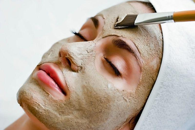 مراقبت از پوست در مرکز پوست و مو پاسارگاد
